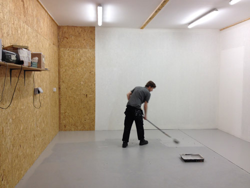 Finishing-touches-to-new-studio